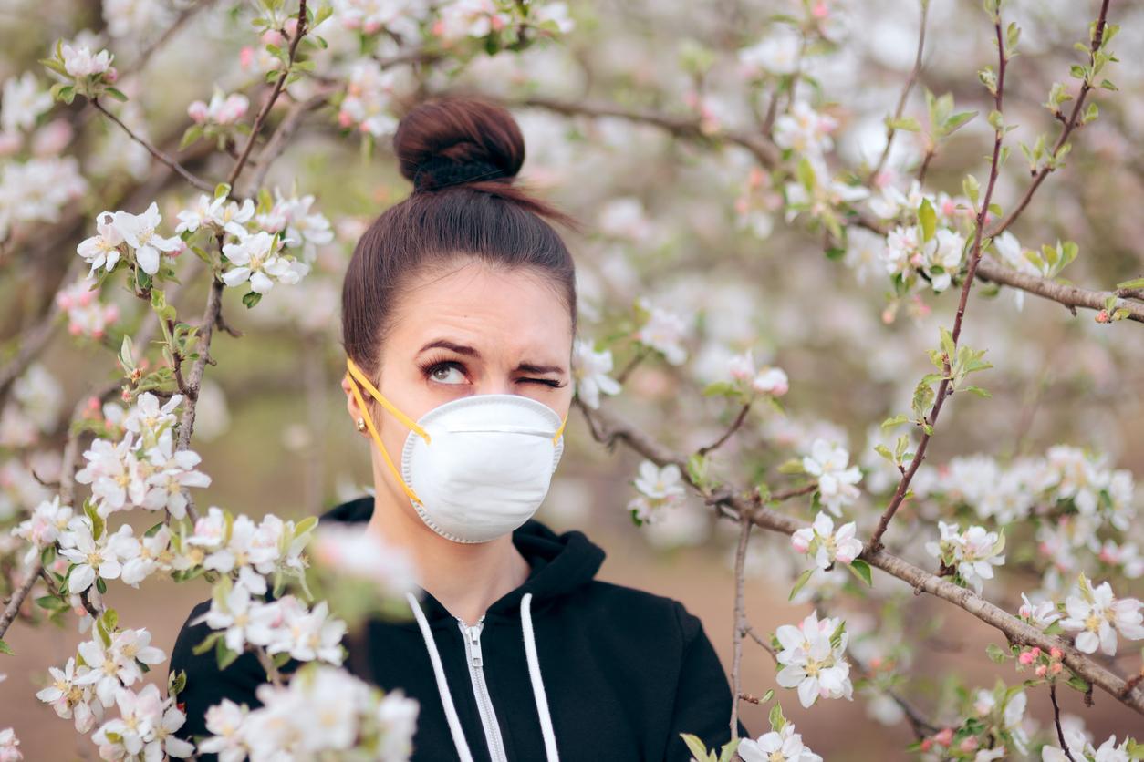Woman in Mask outside