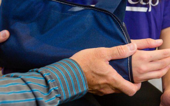 walk-in-clinic-arm-in-sling